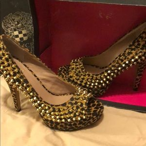 Brand New Vince Camuto Size 9 heels
